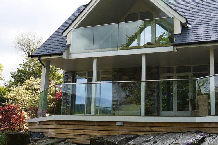 Barandillas de vidrio montaje lateral 01
