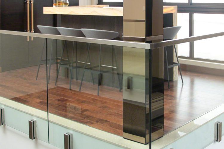 Barandillas de vidrio de montaje superior 02